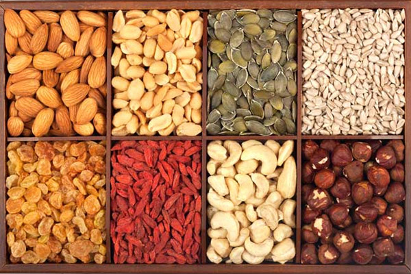10 Powerful Nuts and Seeds for Good Health and Weight Loss