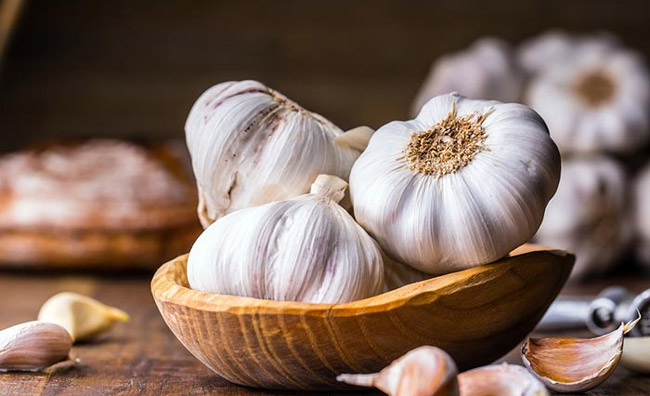 Garlic for liver health