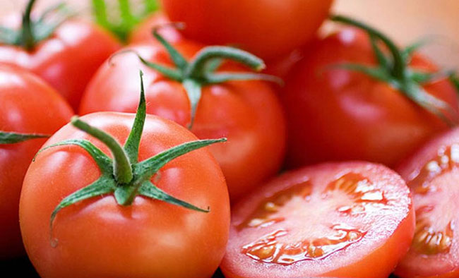 tomatoes for skin